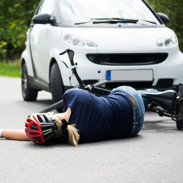 Accident de la route et de la circulation